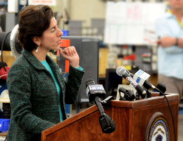gov-raimondo comes to vibco vibrators 2015 lean in rhode island initiative signing